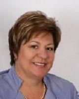 Real Estate Agent - Rikie Massyn