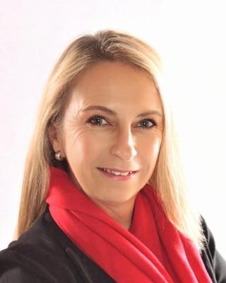 Real Estate Agent - Pamela Swart