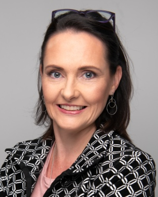 Real Estate Agent - Deanne Halton