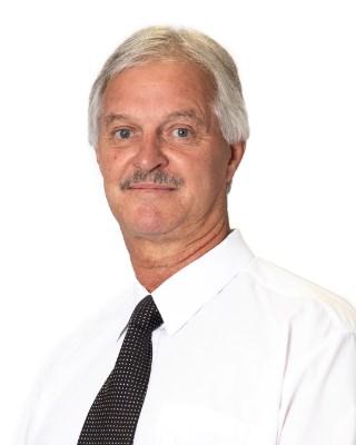 Real Estate Agent - Dirk Swart