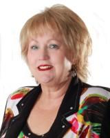 Real Estate Agent - Marietjie van Niekerk