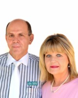 Real Estate Agent - Ronnie & Elaine Smyth