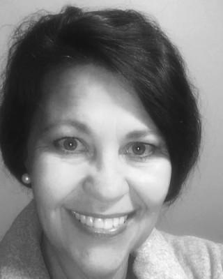 Real Estate Agent - Sandra van Rooyen