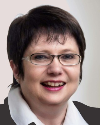 Real Estate Agent - Minnie  Pelser - Sales Manager