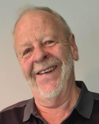 Real Estate Agent - Dewet Swanepoel