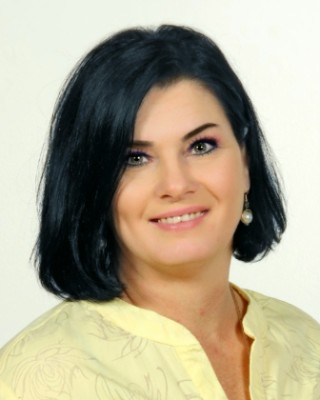 Real Estate Agent - Linda Van Dyk