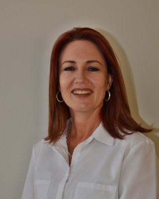 Real Estate Agent - Yvonne Carstens