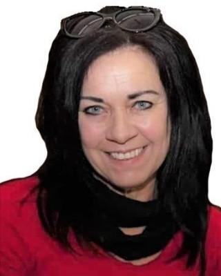 Real Estate Agent - Ruth Janse van Rensburg