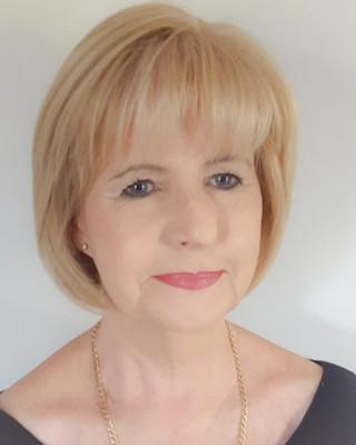 Real Estate Agent - Helene  Botes