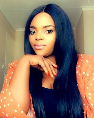 Real Estate Agent - Lauraine Mwamba