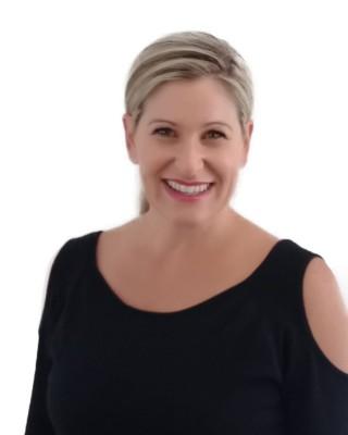 Real Estate Agent - Daniella Kruger