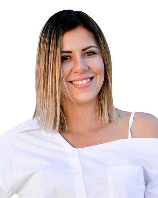 Roxane Erasmus - Intern Agent