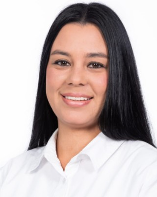 Real Estate Agent - Giselle Leandro Borges