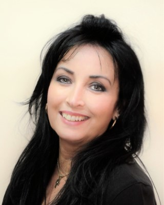 Real Estate Agent - Dinky Botes