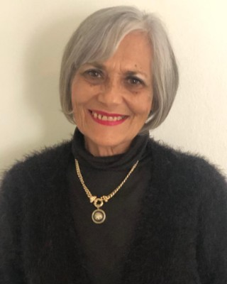 Real Estate Agent - Sinta  Viljoen