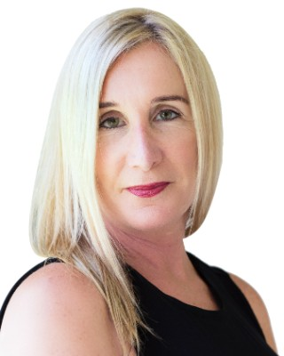 Real Estate Agent - Karen Schwarz