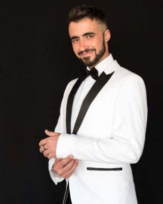 Real Estate Agent - Emanuel Torres