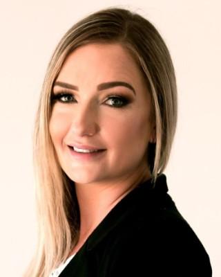 Real Estate Agent - Alandi Visser