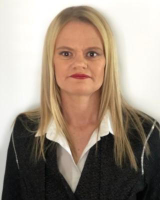 Real Estate Agent - Louise Baker