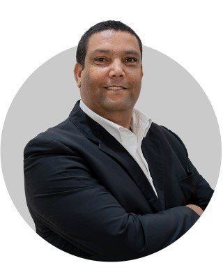 Real Estate Agent - Ricardo Green