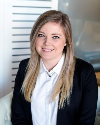 Real Estate Agent - Kelli Provan Intern