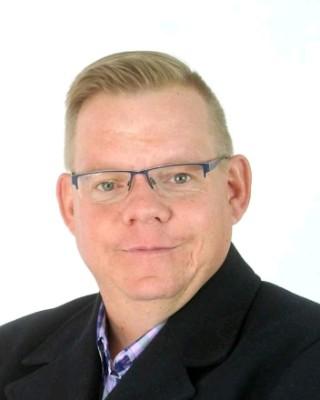 Real Estate Agent - Carl van der Merwe