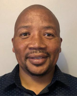Real Estate Agent - Peniel Mpholo