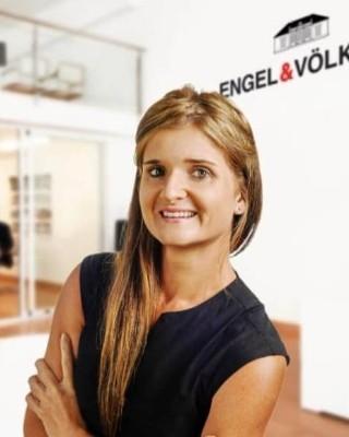 Real Estate Agent - Shannon Farnsworth