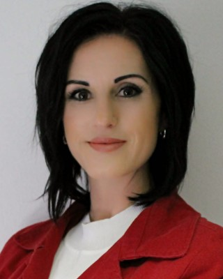 Real Estate Agent - Clair Muller - Intern Estate Agent